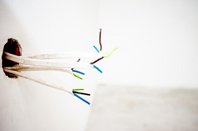 ustřižené kabely.jpg
