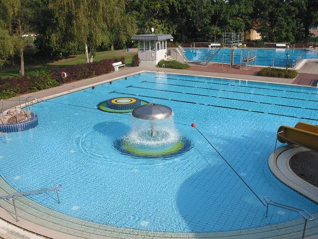 Chlornan sodný stabilizovaný 5 l je osvědčený prostředek bazénové chemie