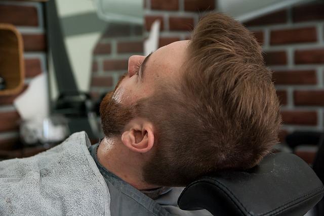 muž v barber shopu