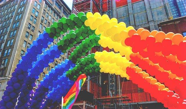 duha z balonků